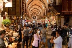 新興国経済の落ち込みは、先進国よりも速く深かった(トルコの首都イスタンブール) Bloomberg