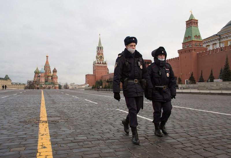 ロシアは孤立を深めている(赤の広場)(Bloomberg)