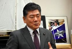 古川禎久氏=須藤孝撮影
