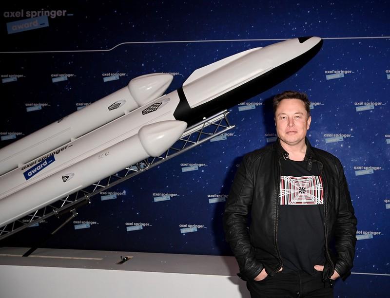 宇宙も非上場投資の対象に(SpaceX創業者のイーロン・マスク氏)(Bloomberg)