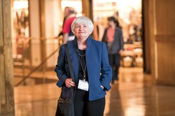 バイデン米次期大統領が次期財務長官に指名したイエレン前FRB議長。労働経済学者出身で、雇用問題への取り組みも注目される(2019年米ワイオミング州ジャクソンホールで) (Bloomberg)