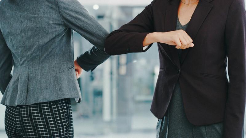 「シスターフッド」とは女性同士の連帯や絆を指す