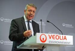 世界最大の「水メジャー」、仏ヴェオリアのフレオCEOは、スエズを取り込んで競争力を挙げようとしている(Bloomberg)