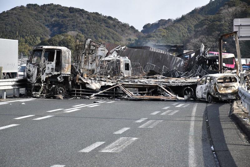 事故 トラック