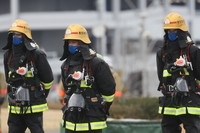 Firefighters are seen after showing their training during the Tokyo Fire Department's New Year drills in the capital's Koto Ward on Jan. 6, 2021. (Mainichi/Kota Yoshida)