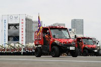 Special firefighting vehicles parade during the Tokyo Fire Department's New Year drills in the capital's Koto Ward on Jan. 6, 2021. (Mainichi/Kota Yoshida)