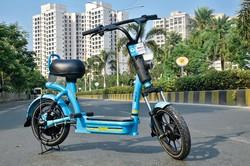 ユールー・バイクスの電動スクーター ユールー・バイクス提供