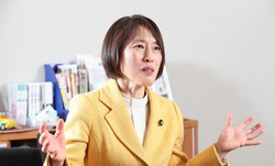 田村智子氏=玉城達郎撮影