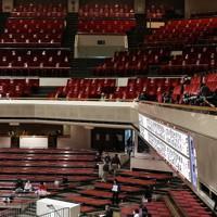 空席が目立つ両国国技館の2階席=東京都墨田区で2021年1月13日、玉城達郎撮影