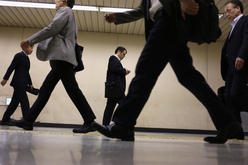 働き手にとって、気になる再雇用後の賃金