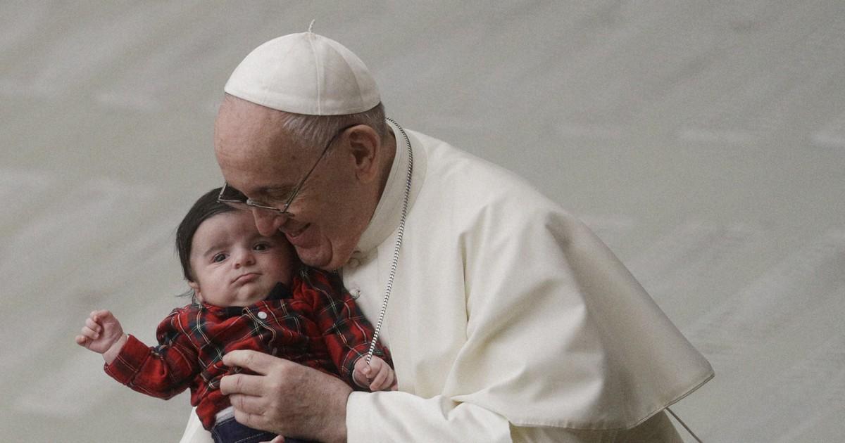 ローマ教皇がワクチン接種 前教皇も 新型コロナ