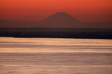 Japan Photo Journal: Mt. Fuji seen silhouetted in evening sun from 200 km away