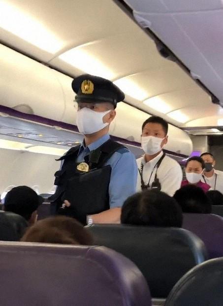 拒否 飛行機 マスク