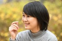 "Shiori Okawa, director of the documentary film ""Tarinae,"" is seen during an interview in Tokyo's Taito Ward on Dec. 24, 2020. (Mainichi/Emi Naito)"