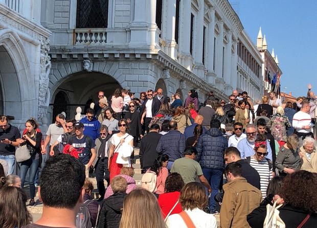 観光客で混雑するベネチア(2019年5月10日)