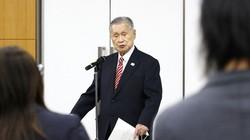 「女性がたくさん入っている理事会は時間がかかる」などの発言について記者会見する森喜朗氏=東京都中央区で2021年2月4日(代表撮影)