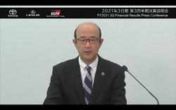 オンラインで記者会見するトヨタ自動車の近健太・執行役員