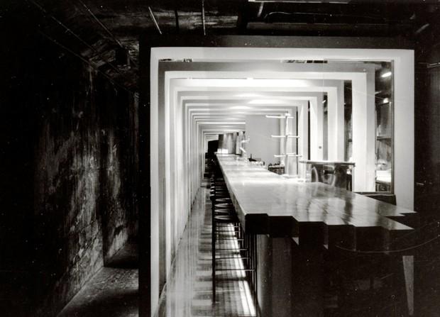 「ビアホール・ハートランド」穴ぐら館のスタイリッシュな店内