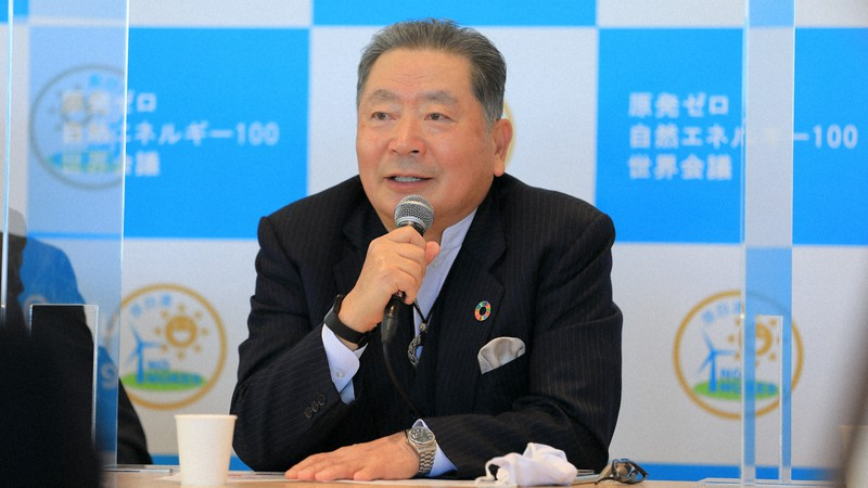 「原発から卒業できない日本はだらしない」と語る中川秀直・元自民党幹事長=東京都内で2021年2月4日、原自連提供