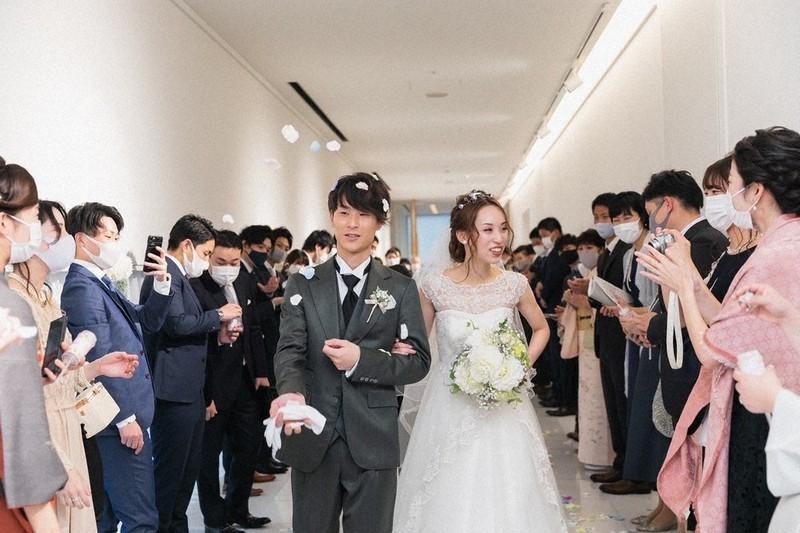 式 コロナ で 延期 結婚 コロナ対応が悪かった結婚式業界の会社まとめ【ゼクシィ・ハナユメは?】 結婚式の節約術なら