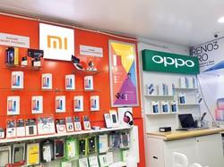 インドで販売されている中国メーカーのスマートフォン NNA撮影
