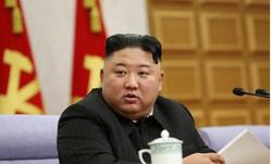 北朝鮮の朝鮮労働党中央委員会第8期第2回総会2日目の会議に出席した金正恩総書記=2021年2月9日(朝鮮中央通信=朝鮮通信)