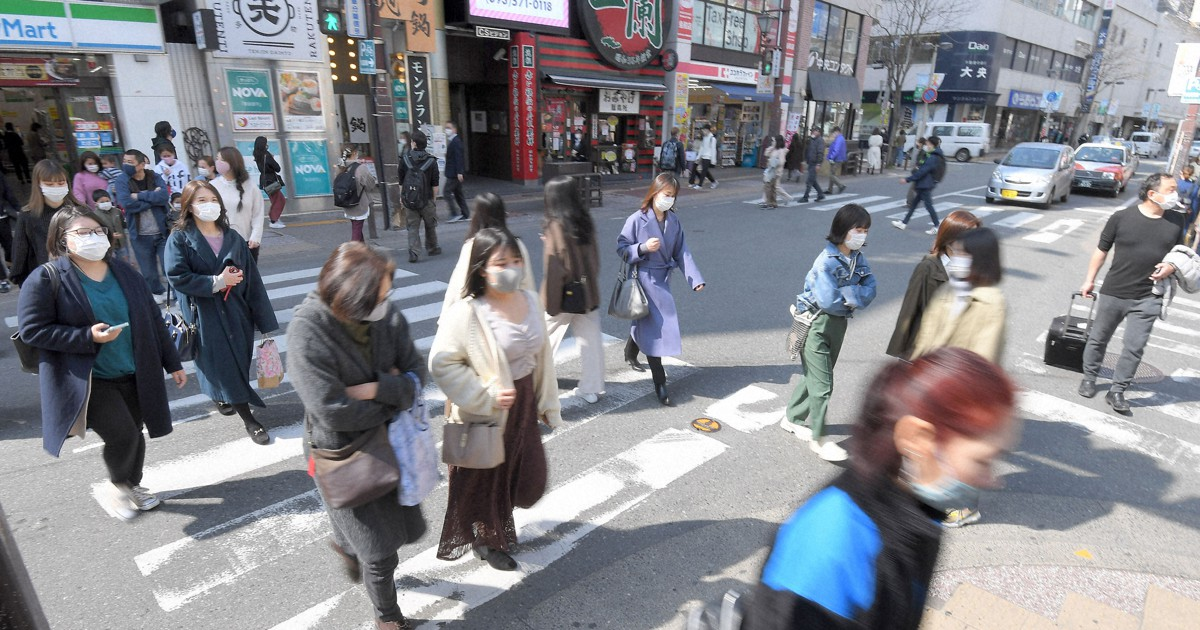 政府は26日、新型コロナウイルスの感染拡大に伴い緊急事態宣言を発令している10都府県のうち、福岡県について、月内で解除することを新たに決めた。大阪、兵庫、京都の関西3府県、愛知、岐阜の中部2県と…
