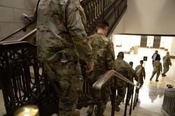 弾劾裁判の最中は軍が議会に出動するまでに(Bloomberg)