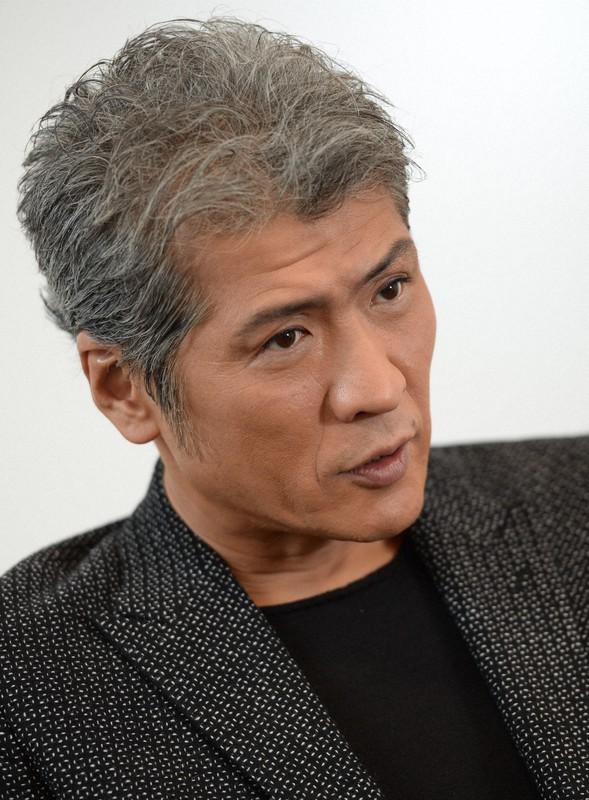 吉川晃司さん狭心症で手術 既に仕事復帰「強運に心から感謝」 | 毎日新聞