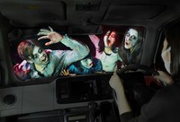 This photo shows a drive-in haunted house where visitors can experience fear from inside a car in Naniwa Ward, Osaka. (Mainichi/Takao Kitamura)