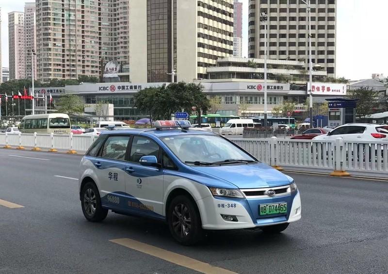 深圳市内を走るEVタクシー(2018年11月)