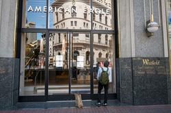 米サンフランシスコのアメリカン・イーグル・アウトフィッターズ店舗 Bloomberg