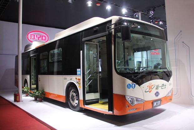 6年前に発表されたBYDのEVバスは日本のバスにそっくり(2014年11月の広州モーターショー)