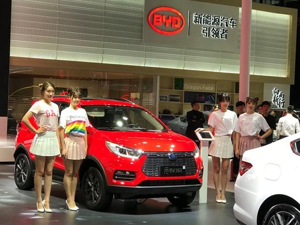 2018年の広州モーターショーで新型EVを発表したBYD