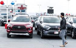 世界中で数多くのトヨタ車が販売されている(米ユタ州)