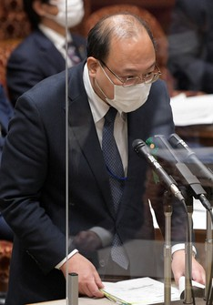 Yasuhiko Taniwaki, vice minister for policy coordination at the Ministry of Internal Affairs and Communications, speaks at a House of Councillors Budget Committee session on March 8, 2021, in Tokyo (Mainichi/Kan Takeuchi)