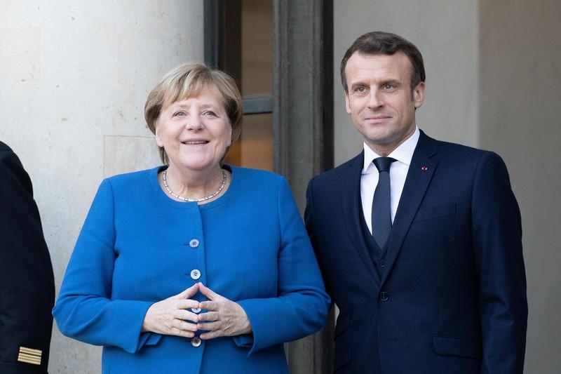 欧州の自立を目指す(メルケル独首相(左)とマクロン仏大統領)