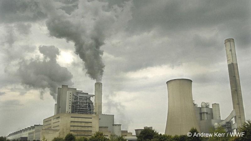 ドイツの石炭火力発電所。世界的に二酸化炭素削減の動きが進んでいる