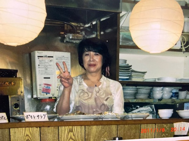 介護を続けながらアルバイトをしていた小料理屋で 藤崎忍さん提供
