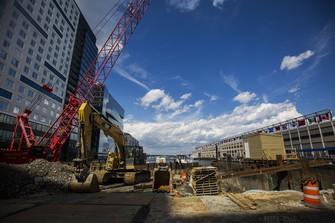 米政府が打ち出したインフラ投資は企業業績の追い風だ(Bloomberg)