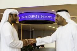 原油価格を押し上げた協調減産を維持できるか(Bloomberg)