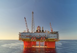 豪州のLNG事業「イクシス」などで培った海上構造物建設の知見は、洋上風力建設にも役立つ 国際石油開発帝石提供