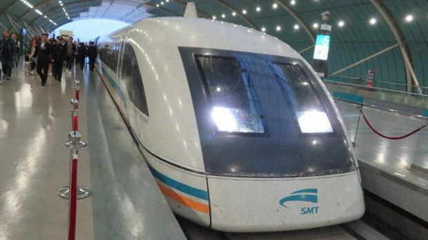 中国・上海の高速リニア鉄道=2018年5月8日、工藤哲撮影