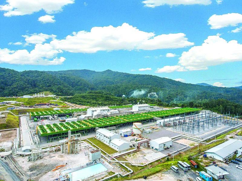 インドネシア・サルーラでの地熱発電プロジェクト