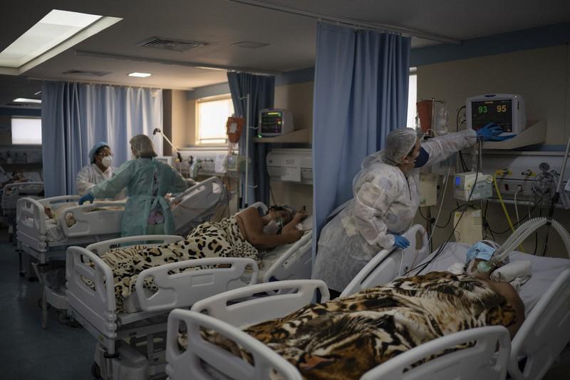 ICU受け入れ限界 1日の死者3000人超したブラジルの危機   毎日新聞