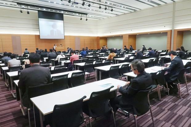 今年3月の勉強会には300人以上が参加した 遠見才希子さん提供
