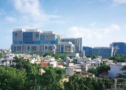 外資系企業などが入居する北部グルガオンのオフィスビル NNA撮影