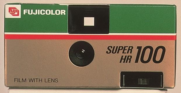 初代写ルンです。1986年発売=富士フイルム提供