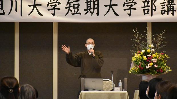 講演会の講師としても全国を飛び回る(今年1月、北海道旭川市で) 旭川大学短期大学部提供