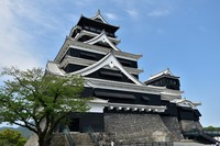 Kumamoto Castle's two keeps are seen in Kumamoto's Chuo Ward on April 6, 2021, after the completion of interior restoration work, during a media preview ahead of a public unveiling on April 26. (Mainichi/Yuki Kurisu)